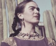 Imágenes de mujeres felices, fuertes y valientes con frases